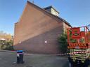 De muur van het huis aan de Graafschap in de Utrechtse wijk Lunetten, voordat kunstenaar JanIsDeMan de gevel onder handen nam.