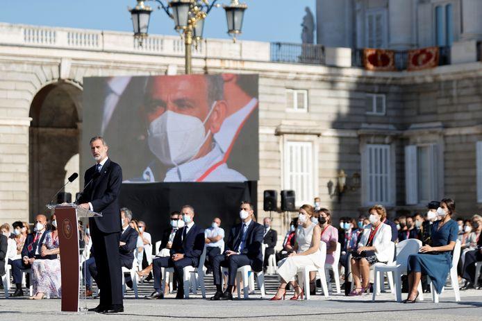 In Spagna, questa settimana quasi 81.000 morti di Corona sono stati commemorati con una cerimonia speciale a Madrid, guidata dal re Felipe e dalla regina Letizia.