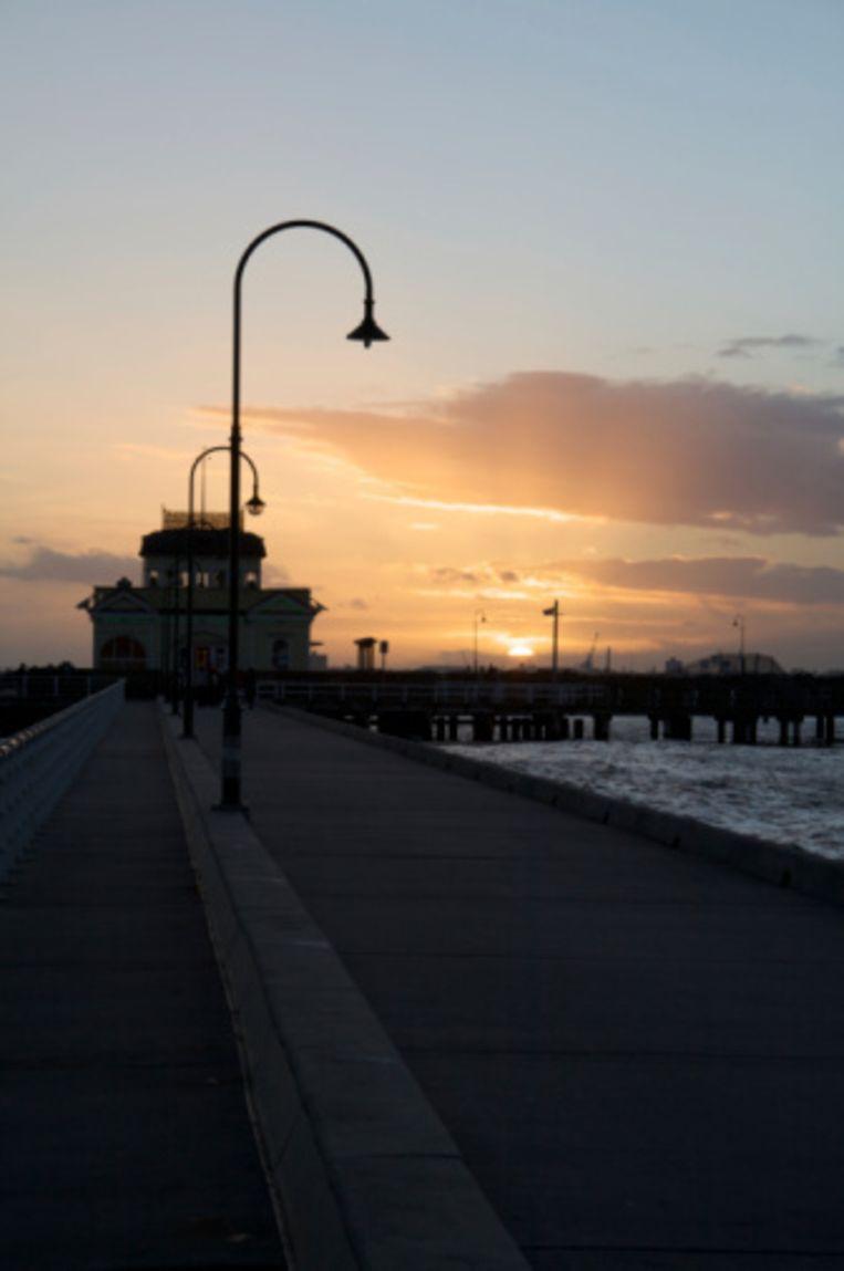 Het is zalig wandelen op de pier van St Kilda Beeld UNKNOWN