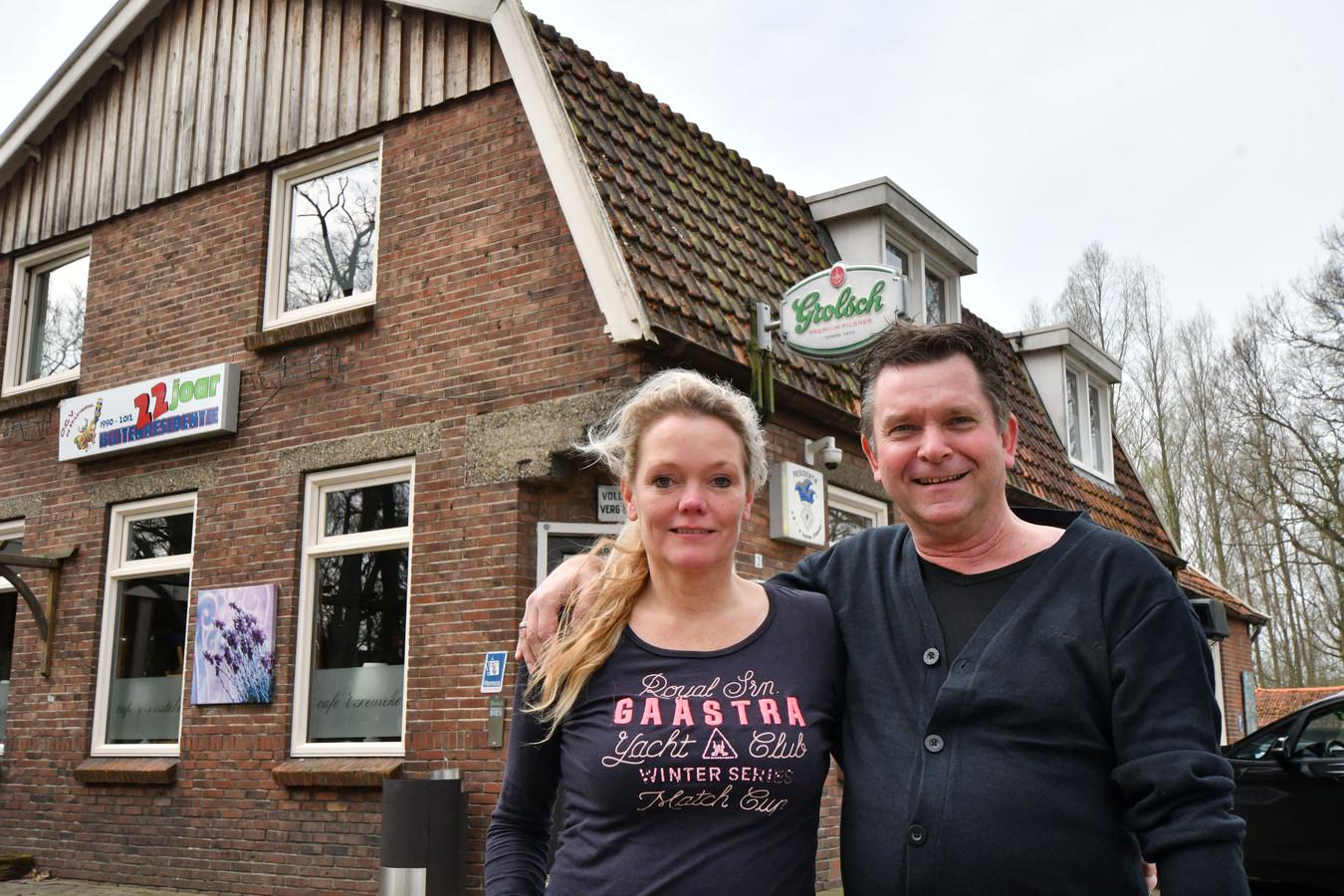 De bistro van Gerhard ten Hove en zijn vrouw Roelina zit noodgedwongen voor twee weken dicht.