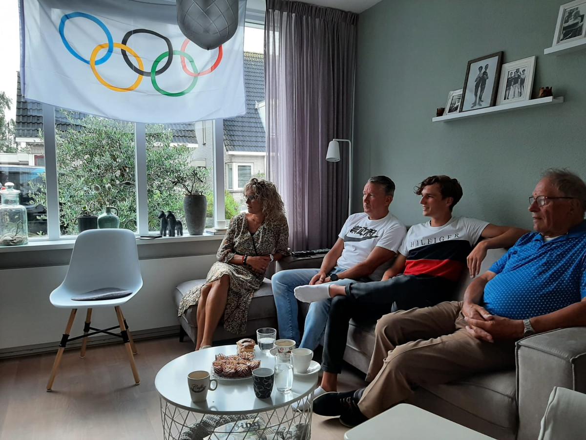 Moeder, vader, broer Damy en de opa van Milan Vader volgen zijn verrichtingen op de Olympische Spelen.