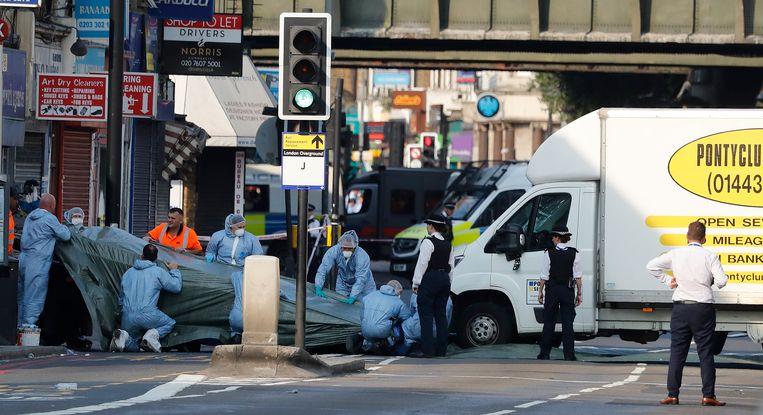 Onderzoekers ter plekke na de aanslag in Finsbury Park.