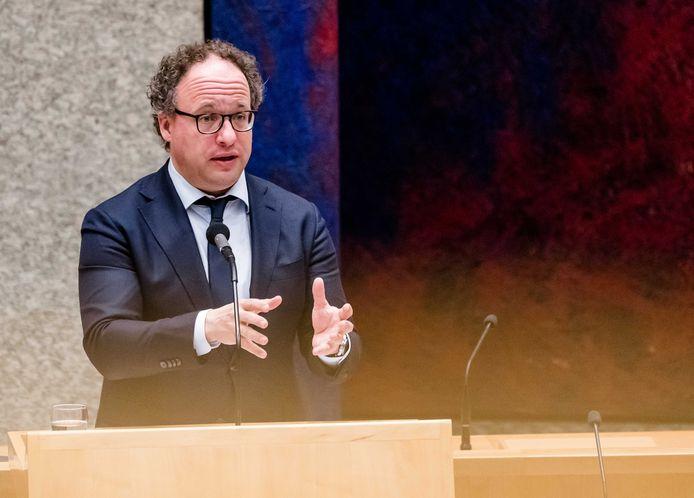 Demissionair Minister Wouter Koolmees van Sociale Zaken en Werkgelegenheid (D66) tijdens een debat in de Tweede Kamer over de uitbreiding van het steunpakket voor bedrijven. ANP BART MAAT