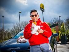 Sanie (23) bezocht alle 173 McDrives van Nederland: 'Heb honderden kipnuggets besteld'