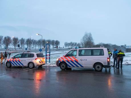 Politieactie sluizen Terneuzen: 'Knikkende knieën als auto door rood rijdt'