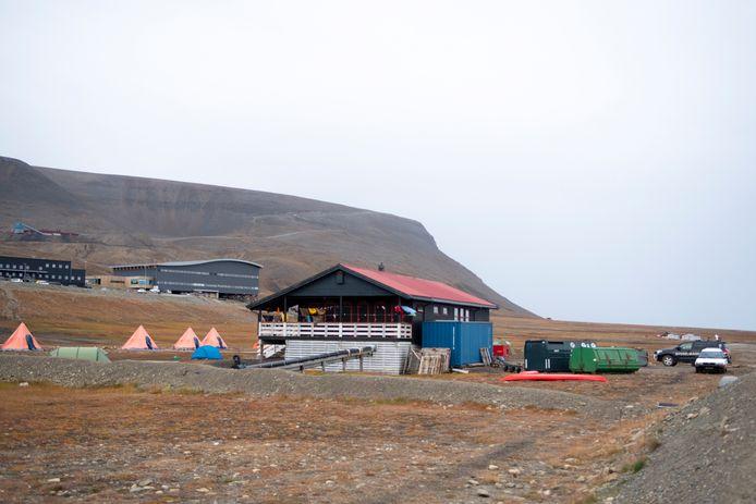 Het campingterrein iets buiten Longyearbyen.