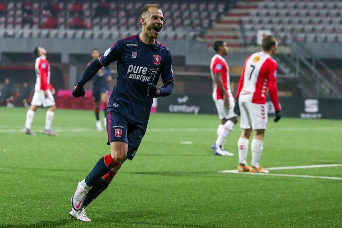 Vaclav Cerny maakte twee doelpunten en gaf een assists op De Oude Meerdijk.