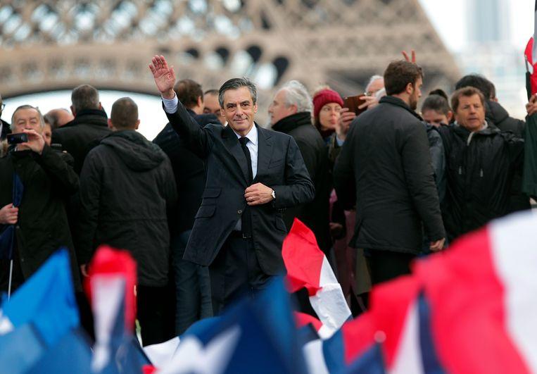 François Fillon tussen zijn aanhangers op het Trocadéro-plein Beeld AP