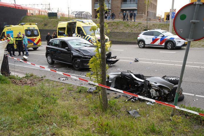 Hoe het ongeluk in Zutphen kon gebeuren, is nog niet bekend.