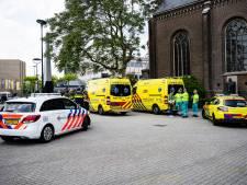 Twee kinderen (3 en 13) na drie kwartier uit hete auto bevrijd op Stadhuisplein Tilburg