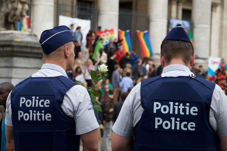 Het gevoel in Brussel leeft dat de politie niet geïnteresseerd is, geen kennis heeft of in sommige gevallen zelf homofoob is.