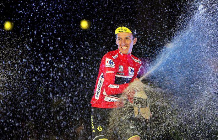 Simon Yates won dit jaar met de Vuelta voor het eerst een grote ronde.
