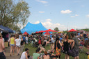 Een volle festivalweide op Labadoux zit er dit jaar niet in, wel een coronaproof variant van twee dagen met enkele optredens. Rondlopen zonder afstand en mondmaskers zal mogelijk zijn.