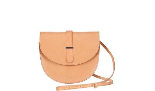 Flo saddle bag in Camel, € 279
