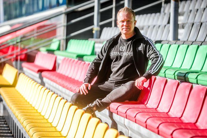 Kris Heddebauw uit Oostende schreef een boek over KVO, '40 jaar supporter'