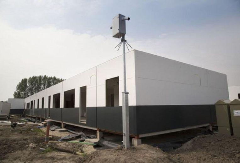 Het asielzoekercentrum in aanbouw Beeld Arie Kievit