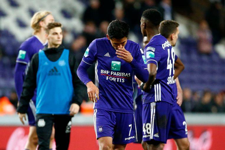 Andy Najar druipt af na het 1-1-gelijkspel van Anderlecht tegen Charleroi.