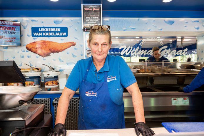 Wilma Graat in haar viskraam.