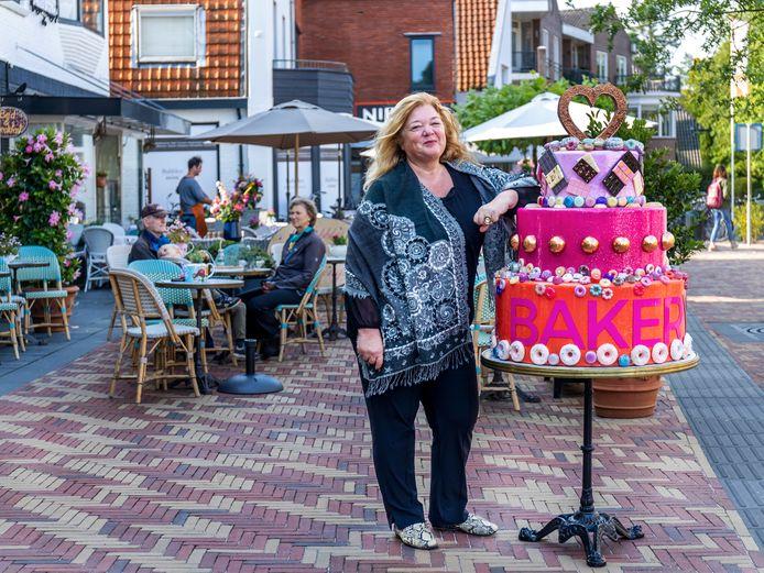 """Jacqueline Teunissen in Bilthoven. ,,Je moet jezelf en wat je doet niet zo serieus nemen. Over vijftig jaar bestaan mijn bedrijven waarschijnlijk niet eens meer."""""""