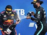 Nog zeven races te gaan: zo kan Verstappen zijn grote rivaal Hamilton voorbij