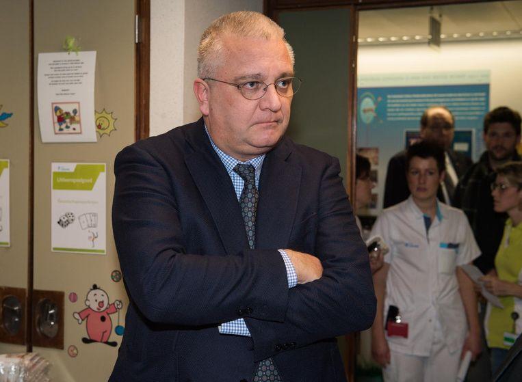 Prins Laurent bij een bezoek aan een Leuven ziekenhuis. Archieffoto. Beeld Joel Hoylaerts - Photo News