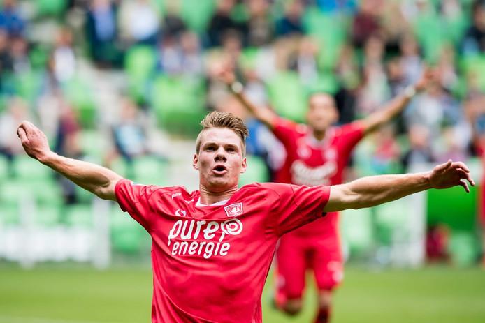 Jari Oosterwijk na zijn winnende goal