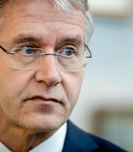 Slob: 'Tempo maken met hogere eisen burgerschapsonderwijs'