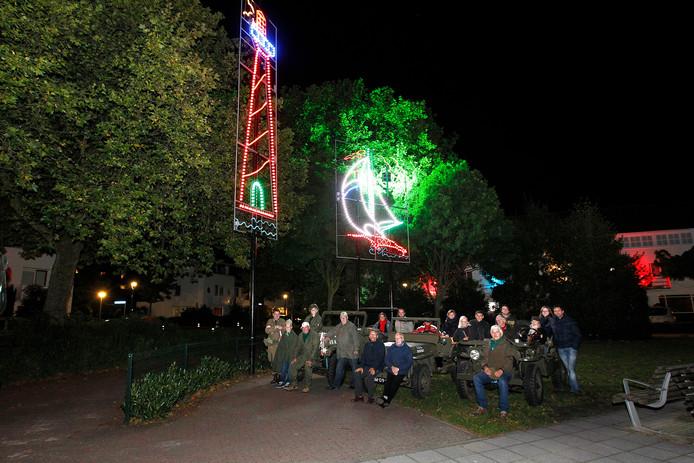 Voertuigen en leden van Wheels reden de Lichtjesroute in Eindhoven ook in 2012 al. Hier op het Burghplein.
