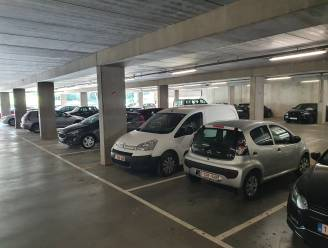 """Binnenkort nog maximum 3 uur gratis op parkings Warande, Aard en Cornelius: """"Meer rotatie nodig in de parkeerplaatsen"""""""