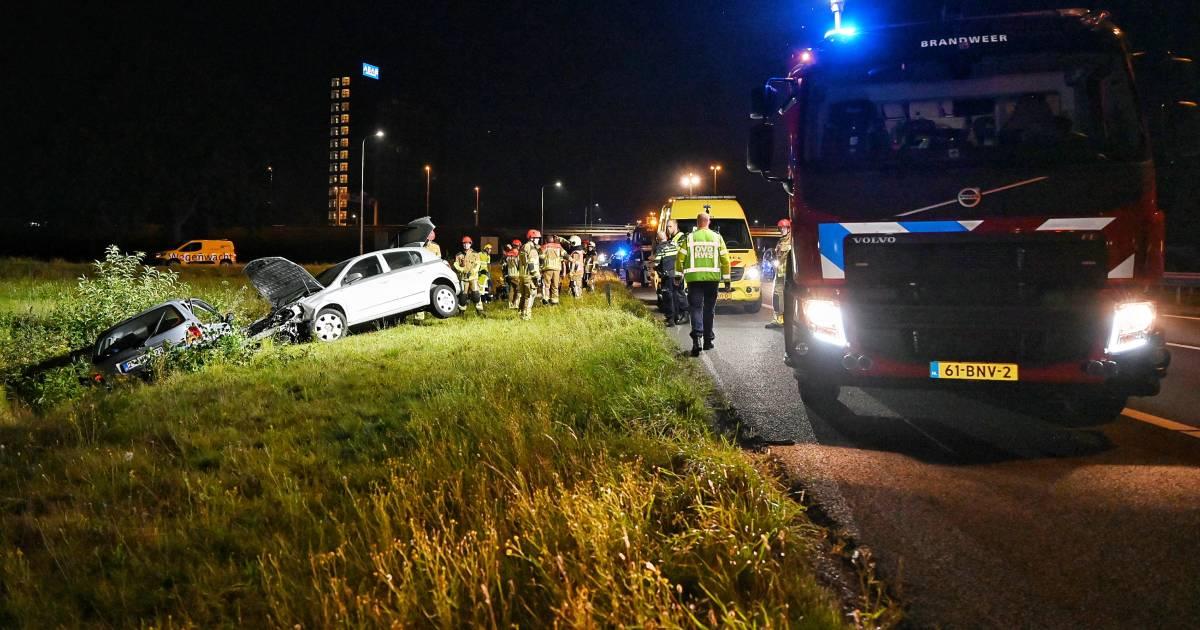 Motorcrosser met spoed naar ziekenhuis na ongeluk op crossbaan in Holten.