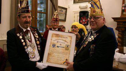 Bierpruvers en Karnamor sluiten vriendschapsverdrag