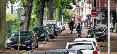 Klarendal zucht onder parkeeroverlast: Roep om strakker handhaven in Modekwartier