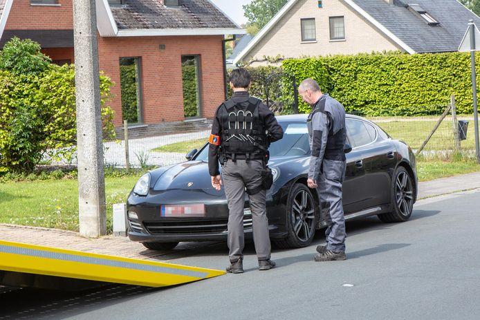 Bij een grootschalige politie-actie werden luxewagens in beslag genomen