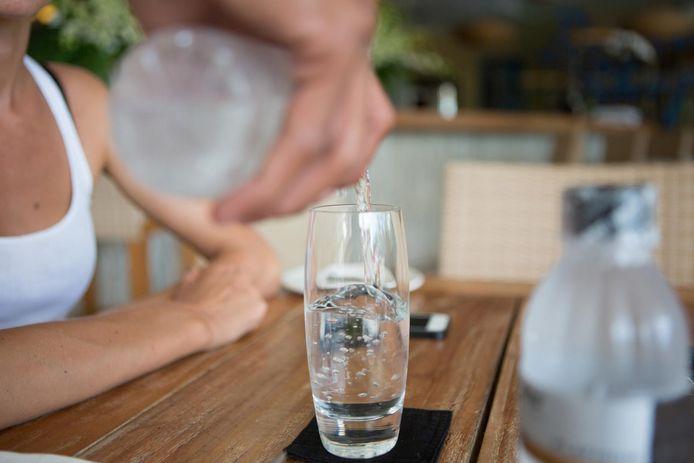 Van alle nieuwe horecazaken in ons land kiest nu al 60% voor gefilterd kraantjeswater in plaats van de klassieke flessen mineraalwater van de bekende merken.