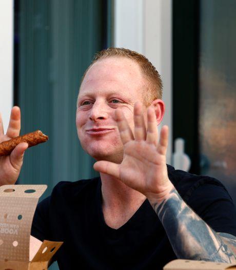 Boy (29) eet 13,5 frikandellen in een halfuur: 'Geen makkelijke overwinning'
