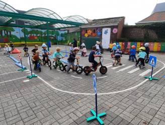 Leerlingen De Oogappel leggen fietsparcours af en krijgen fietsbrevet tijdens 'Strapdag'