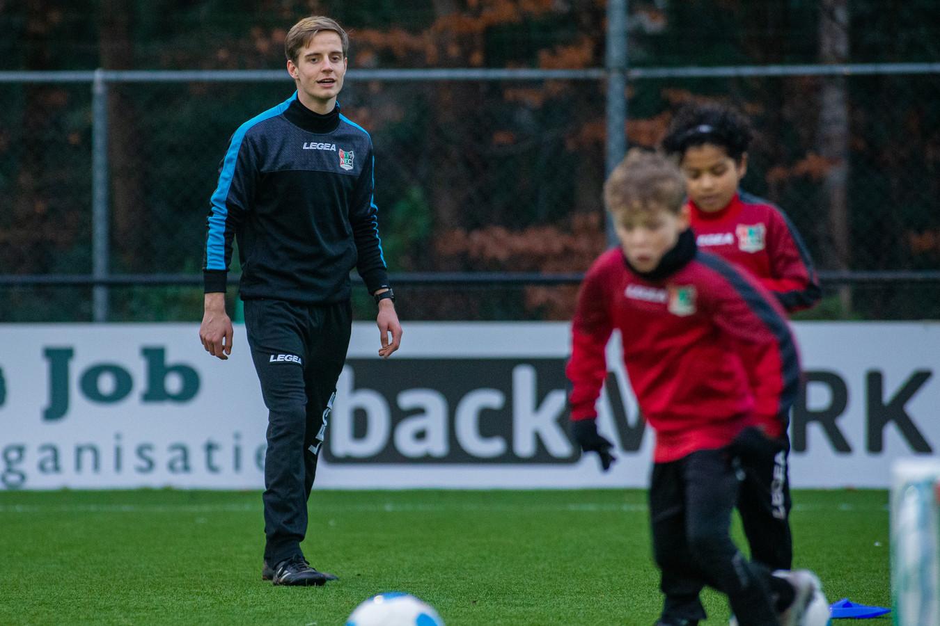 Thomas Botden als trainer van NECOnder 10.