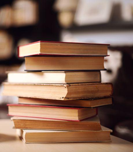 Leescoaches van de bieb willen lezen weer leuker maken voor jongeren: 'Kijken wat aanslaat'
