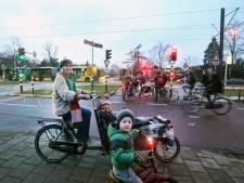 Bewoners Utrecht Oost zijn bang voor ongelukken op kruispunt met Uithoflijn