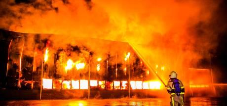 Grote impact van enorme bedrijfsbrand in Aalten: 'Ik slaap nog niet zoals het moet'