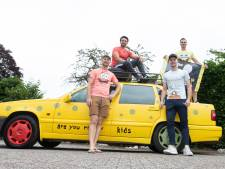 Met 468.000 km op de teller laten Holtenaren Lloret de Mar links liggen; Budapest-rally ultieme vakantietrip