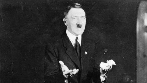 Veel toespraken van Adolf Hitler werden naar het Arabisch vertaald voor radiopropaganda in het Midden-Oosten.