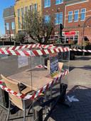 Het terrassenprotest in Duiven, bij grand café Bij Welling.