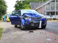 Belg botst tegen geparkeerde auto op Turnhoutseweg in Reusel