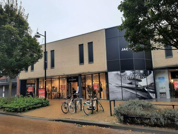 Mannenkledingzaak Jac Hensen vertrekt na 15 jaar uit Doetinchem.