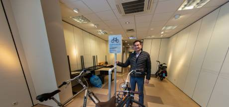 Personeelsfietsenstalling in binnenstad Kampen: 'Misschien kan het mensen aan een baan helpen?'