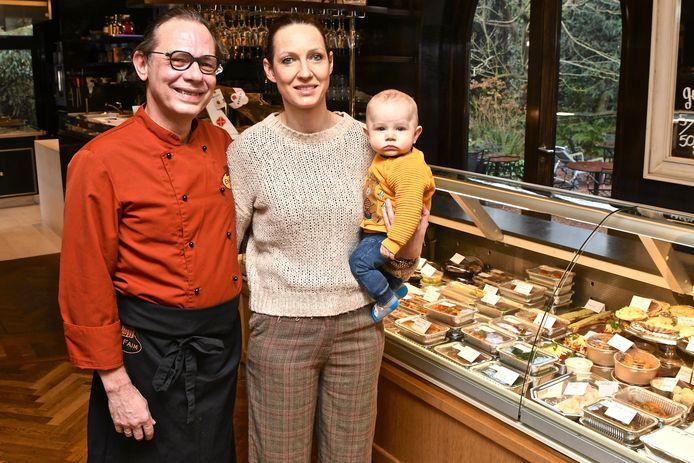 Nick Vandenborre, Evelien Notebaert en hun zoontje Tille bij de traiteurwinkel