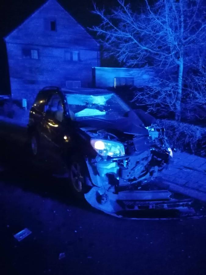 De schade aan het voertuig was groot.