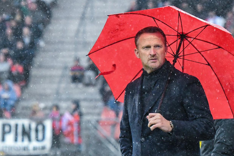 John van den Brom: 'Jonge voetballers weten tegenwoordig exact waar ze het over hebben, zo zijn ze opgeleid.'