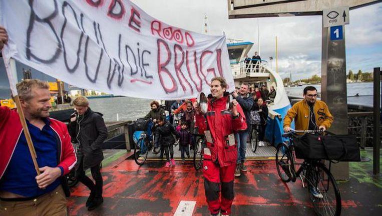 Begin november hield een lobbygroep een lawaaiactie vóór een brug Beeld Maarten Brante